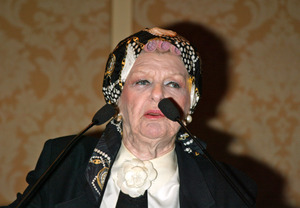 Stritch_in_curlers_dla_2002